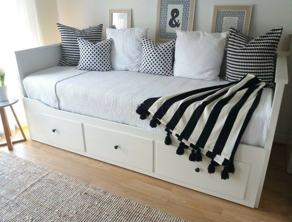 6 Months Old Ikea Hemnes Day Bed Sofa Single Turns Into Double Rrp 410