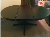 Extendable dining table (Max. length: 155 cm). Seats 4 to 6. Adjustable legs for uneven surfaces.
