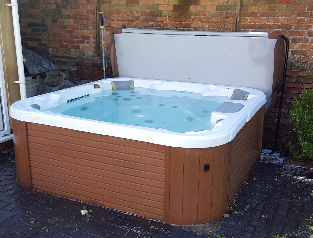 7-person Hot Tub/Jacuzzi \'Nautilus\' by Dimension one spas with cover ...