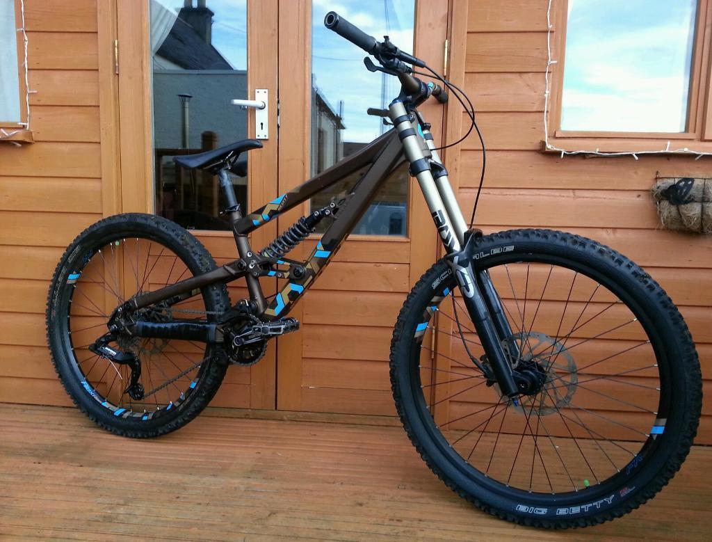 scott voltage fr30 downhill mountain bike swap or sale. Black Bedroom Furniture Sets. Home Design Ideas