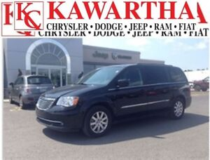 2016 Chrysler Town & Country Touring L *WHAT A DEAL!!