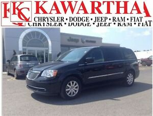 2016 Chrysler Town & Country Touring L *JUST ARRIVED*WHAT A DEAL