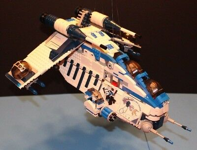 LEGO® brick STAR WARS™ Custom 7676 Blue 501 REPUBLIC GUNSHIP + 9 Minifigure Crew