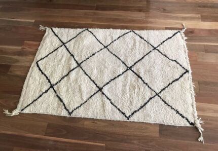 Moroccan hand woven Beni Ourain carpet rug. Authentic and very unique