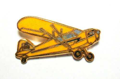 Piper Cub J-3 Pin Aircraft Airplane Lapel Pin  ,*