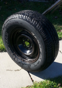 tire and rim P225/70R15