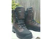 Le Chameau mens walking boots. size 10.5