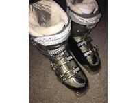 Ladies Salomon Ski Boots Size 7