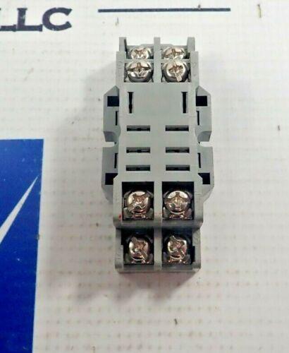 IDEC SH2B-05 RELAY SOCKET BASE 10A 300V