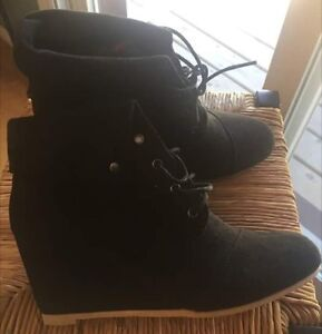 Ladies Ankle Boots (Brand new never worn)