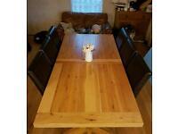 Oak dinning table