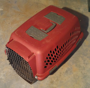 Cat or dog crate, clean and in working condition