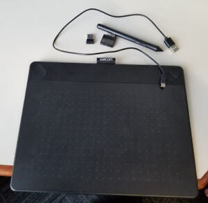 Wacom Intuos Pen and Touch digital with Wireless Accessory Kit