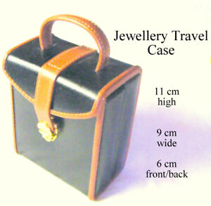 Jewellery travel case, leather finish, hardcover separate spaces