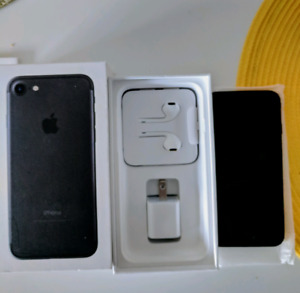 iPhone 7 128GB Eastlink (REDUCED PRICE)