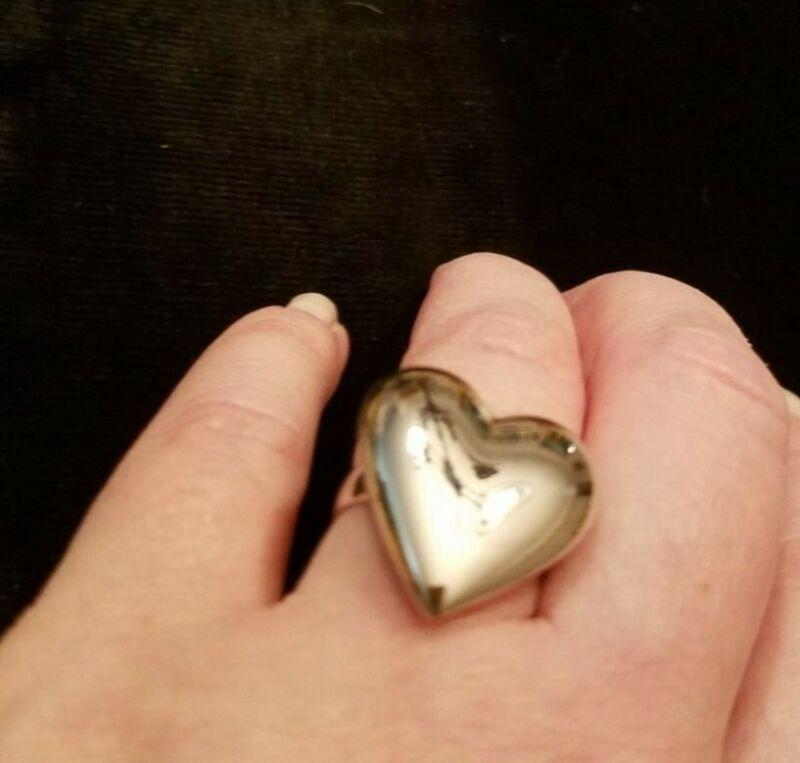 VINTAGE PUFFY GOLD or SILVER HEART STATEMENT ADJUSTABLE RING-NOS-10.ea