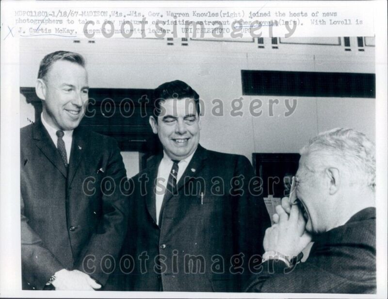 1967 Wisconsin Governor Warren Knowles With Astronaut James Lovell Press Photo