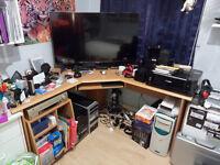 Impressive BARGAIN L Shaped corner workstation