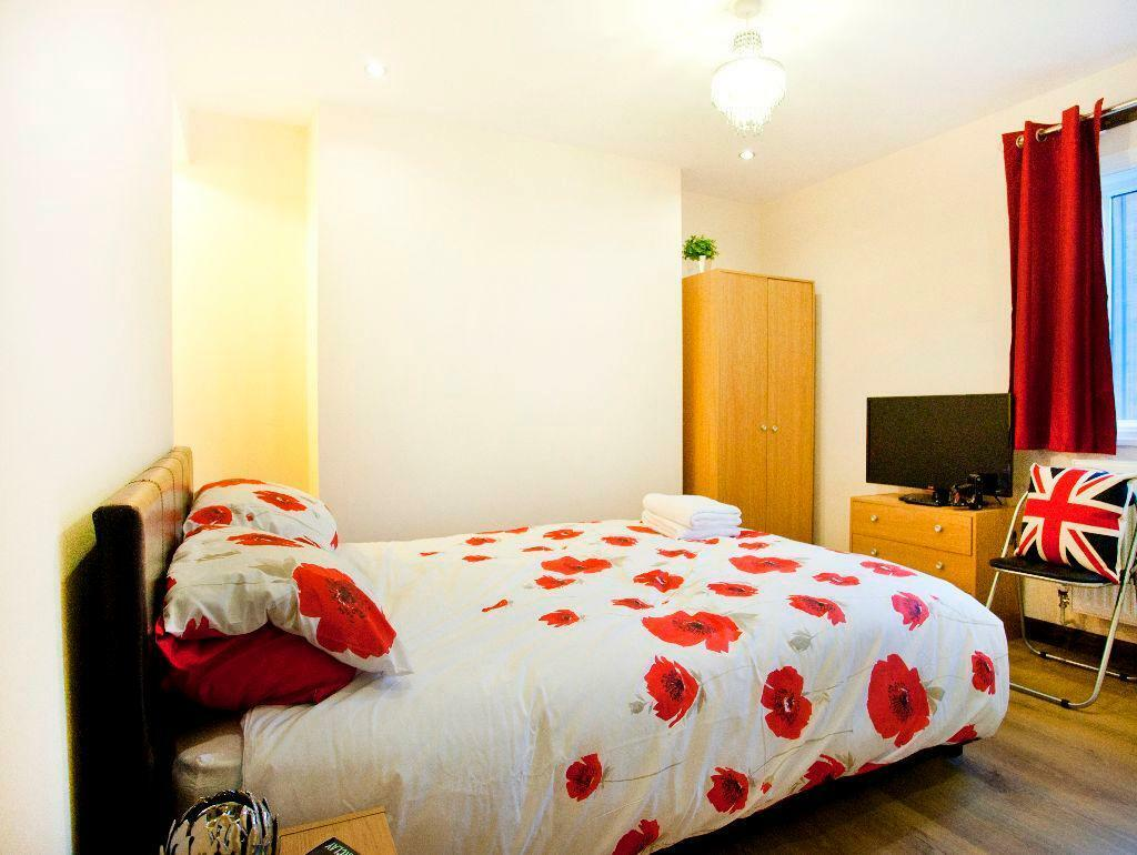 Stay One Night - Rooms by Victoria Centre - Self Catering Accommodation at City Centre Real Ale Bar