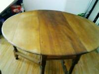Solid oak Antique drop leaf table