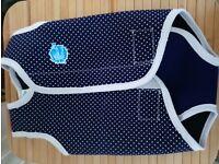 Splash About Sleeveless Neoprene Babywrap Warm in water 18-30 months