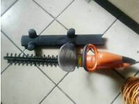 Flymo HT450 electric hedge trimmer