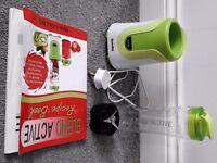 GOOD DEAL/Breville VBL062 Blend Active Personal Blender, 300 W - White/Green