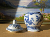 Chinese Vintage Ginger Jar Vase blue and white