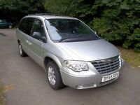 *WILLOW MOTORS OFFER A CHRYSLER GRAND VOYAGER 2.8 CRD AUTO LTD XS DIESEL* 7 SEATER * SAT NAV* DVD*