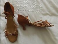Ladies ballroom/Latin American shoes UK5