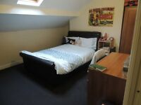 ***One en-suite double bedroom available Now in Bradford-close to university!!***