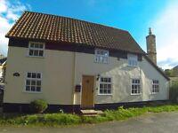STUNNING eighteenth century detached 2 bedroom cottage for sale in Guilden Morden. No upward chain.