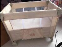 Haulk newborn travel cot