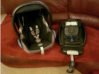 Maxi Cosi Cabriofix car seat and Isofix base - Group 0+