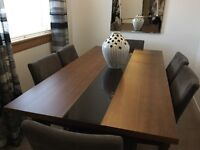 Stunning John Lewis Dining Table & 4 free chairs - Table £849 NEW