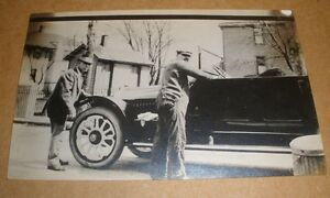 Photo-Post-card-men-and-old-car-nice-condition-unused