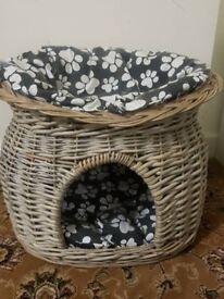 Cat wicker basket