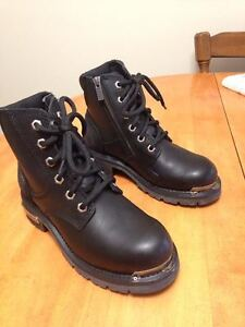 Women's cruiser biking boots