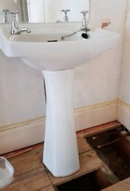 Free. Sink and pedestal unit.