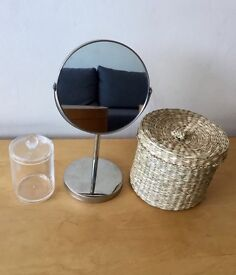 MUST SELL TODAY - Bathroom accessories set