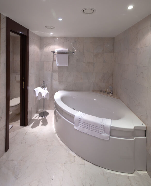 How To Install A Corner Bath In Your Home