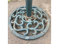 Cast iron round garden umbrella/parasol stand