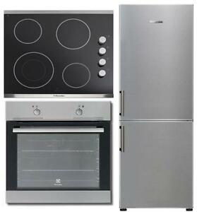 Apartment Kitchen Appliance Package: Electrolux EI11BF25QS 24in Refrigerator, EI24EW35LS Wall Oven & EI24EC15KS Electric