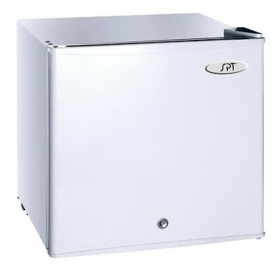 ديب فريزر جديد SPT 1.1 cu.ft. Upright Freezer w/Energy Star – White UF-114W Freezer NEW