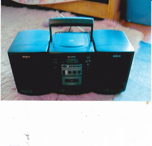 Ghetto Blaster for sale. Comes with tape player! Pick up only