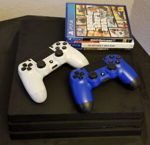 PS4 Pro, 2 Controllers, 3 Games