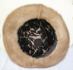 Lovely Women's Mink Fur Hat Size Large With Original Box London Ontario image 3
