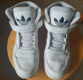 White vintage adidas high tops, Size 4