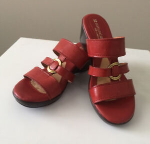New Naturalizer 'Teena' Red Leather Sandals - 6M