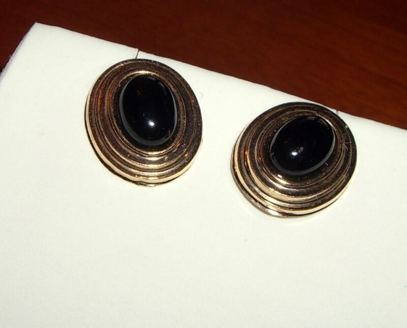 14K Gold Cabachon Onyx Stud Earrings 12 by 15mm